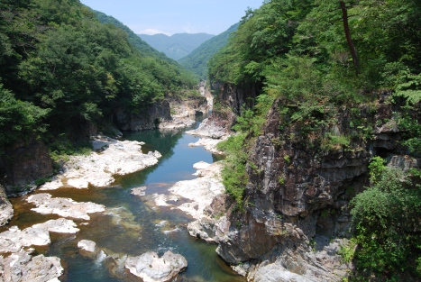 Just a taste of the wonderful scenery that can be enjoyed along the Ryuo Gorge.