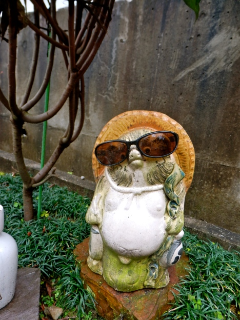 A typical tanuki statue I can across in Inuyama