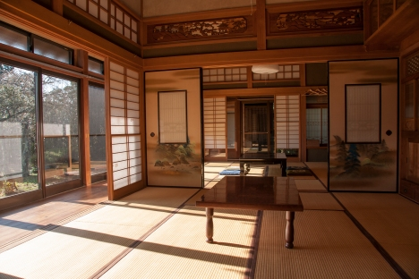 A beautiful sunlit room at Jiji no Ie
